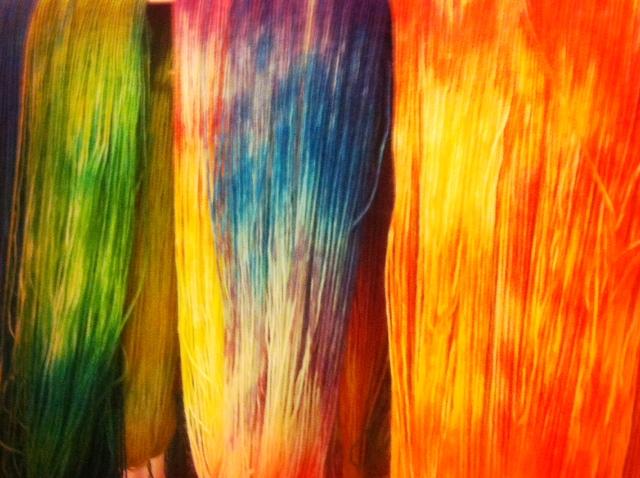 Wolle färben Ostereierfarben